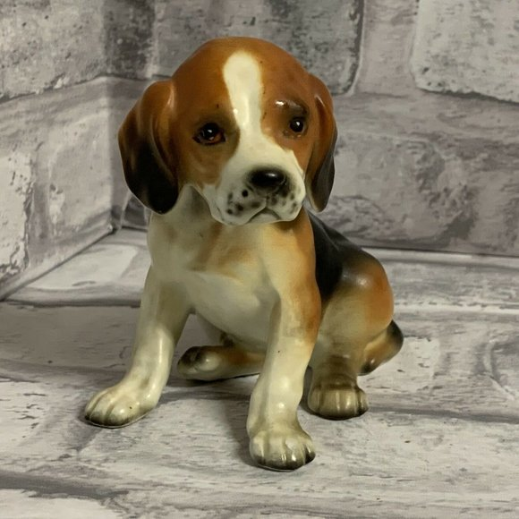 Beagle Dog Porcelain Figurine Vintage Sitting